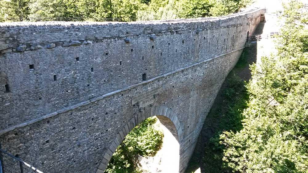 Ponte-Acquedotto di Pondel, Visite guidate - Guida Turistica Valle d'Aosta