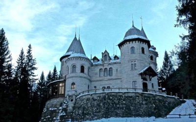 Il fascino dei Castelli d'inverno in borghi da fiaba