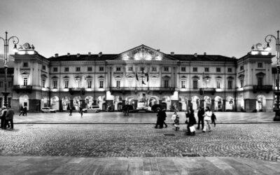 Piazza Chanoux e l'Hotel de Ville (dal Medioevo al 1800)