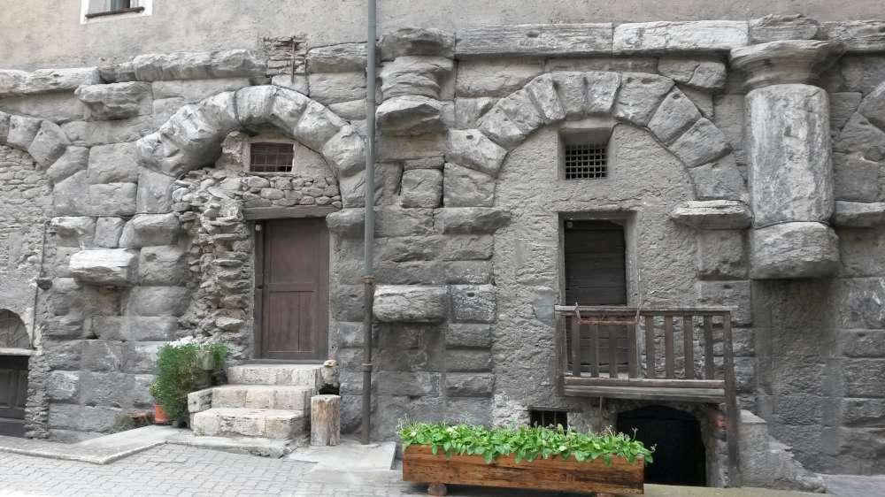 Anfiteatro di Aosta visita