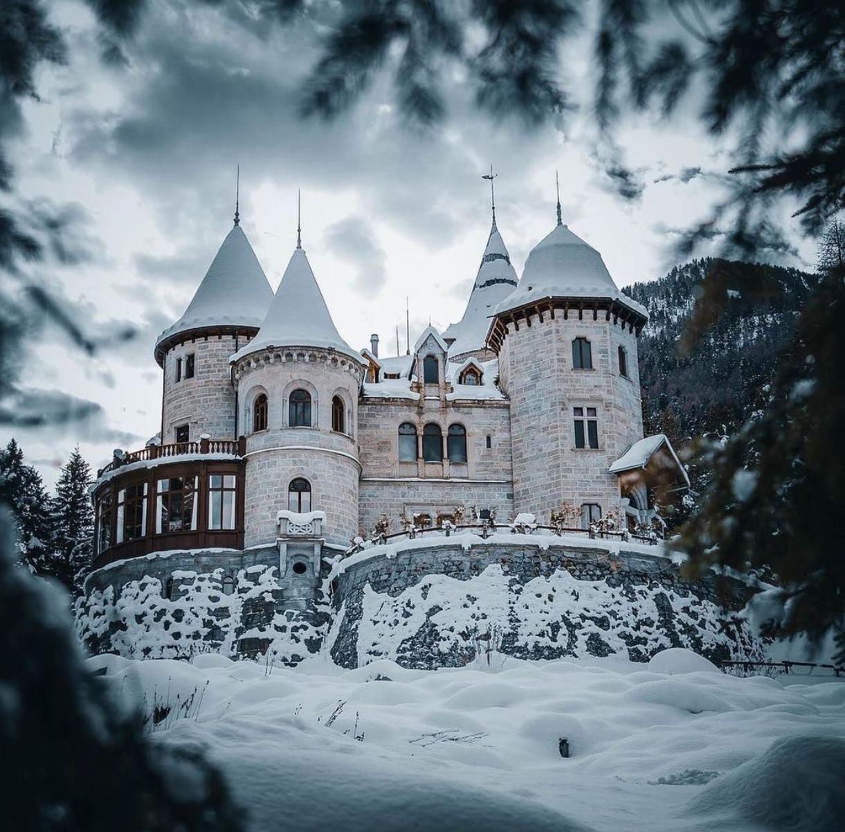 Castel Savoia inverno visita