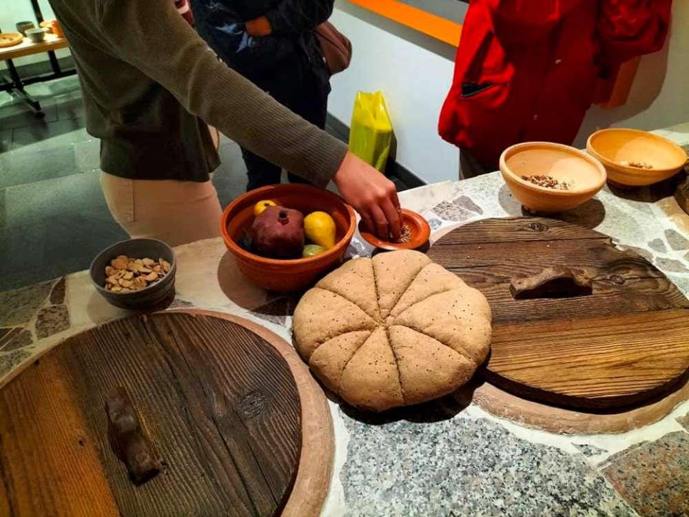 visita sensoriale per non vedenti  Museo archeologico Aosta